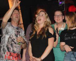 Bekijk de foto's van Vrienden in 't Darsgat Live