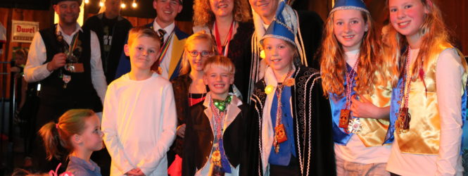 Foto's Kinderdisco en Prijsuitreiking bij café VOL in Spanbroek